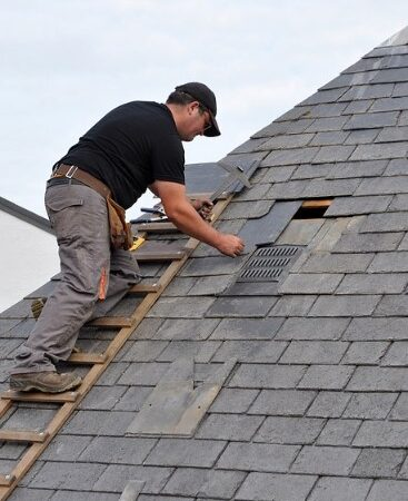 How can you tell if a roofing contractor is reputable?